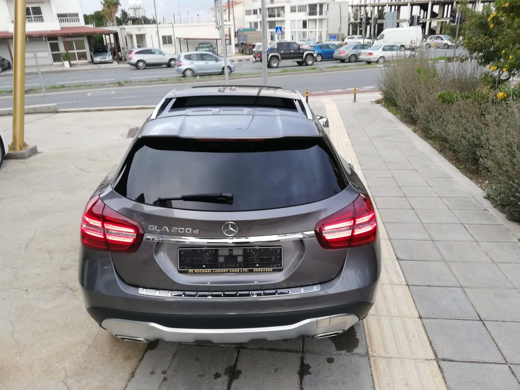 MERCEDES BENZ GLA 200 D SPORT PREMIUM PLUS AUTO