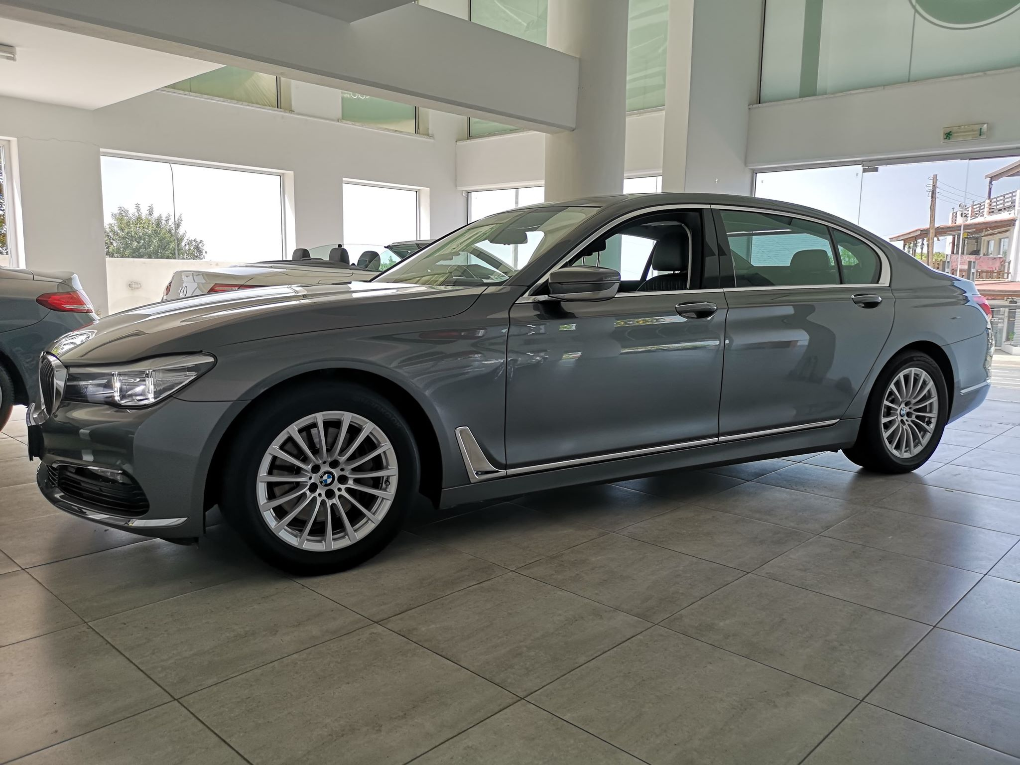 BMW 740 LONG HYBRID ELECTRIC 3.0LTRS PETROL