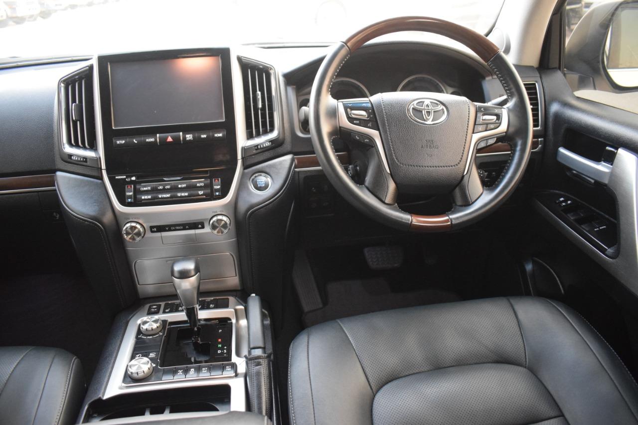 Toyota Land Cruiser 2017 Limited Edition