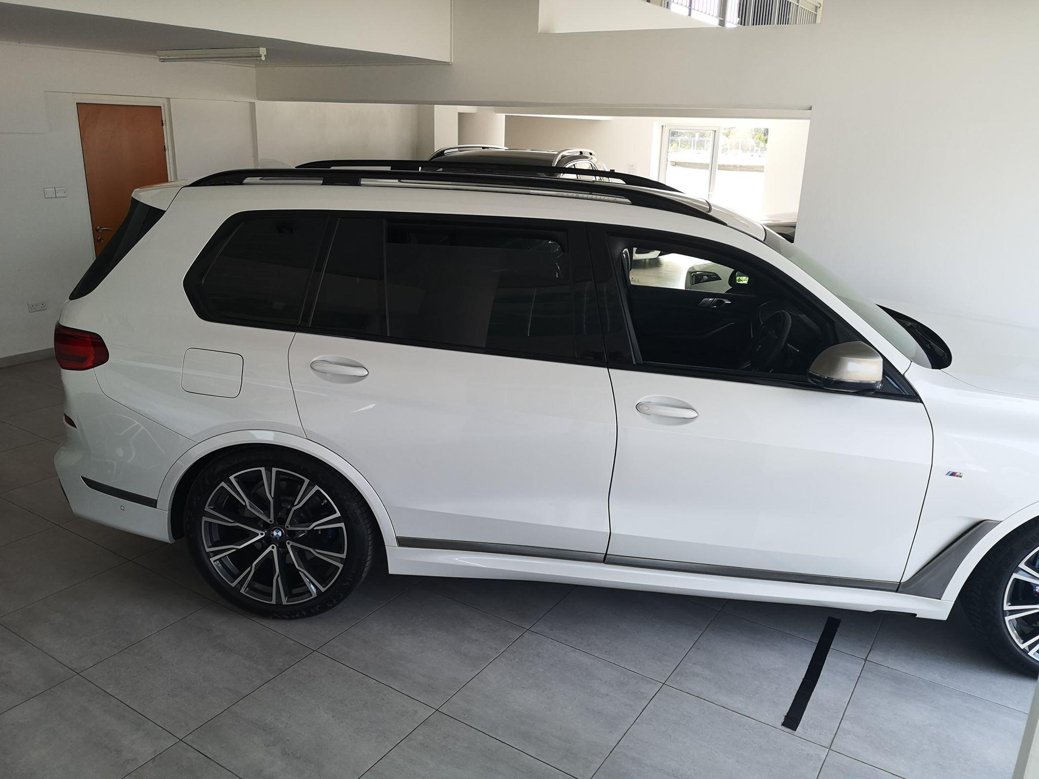 BMW X7 M 50 D – 7 Seats