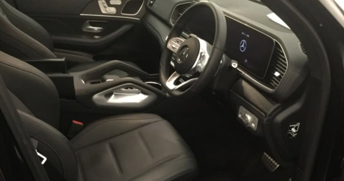 Mercedes GLE 300 D 4MATIC AMG LINE – 7 SEATS