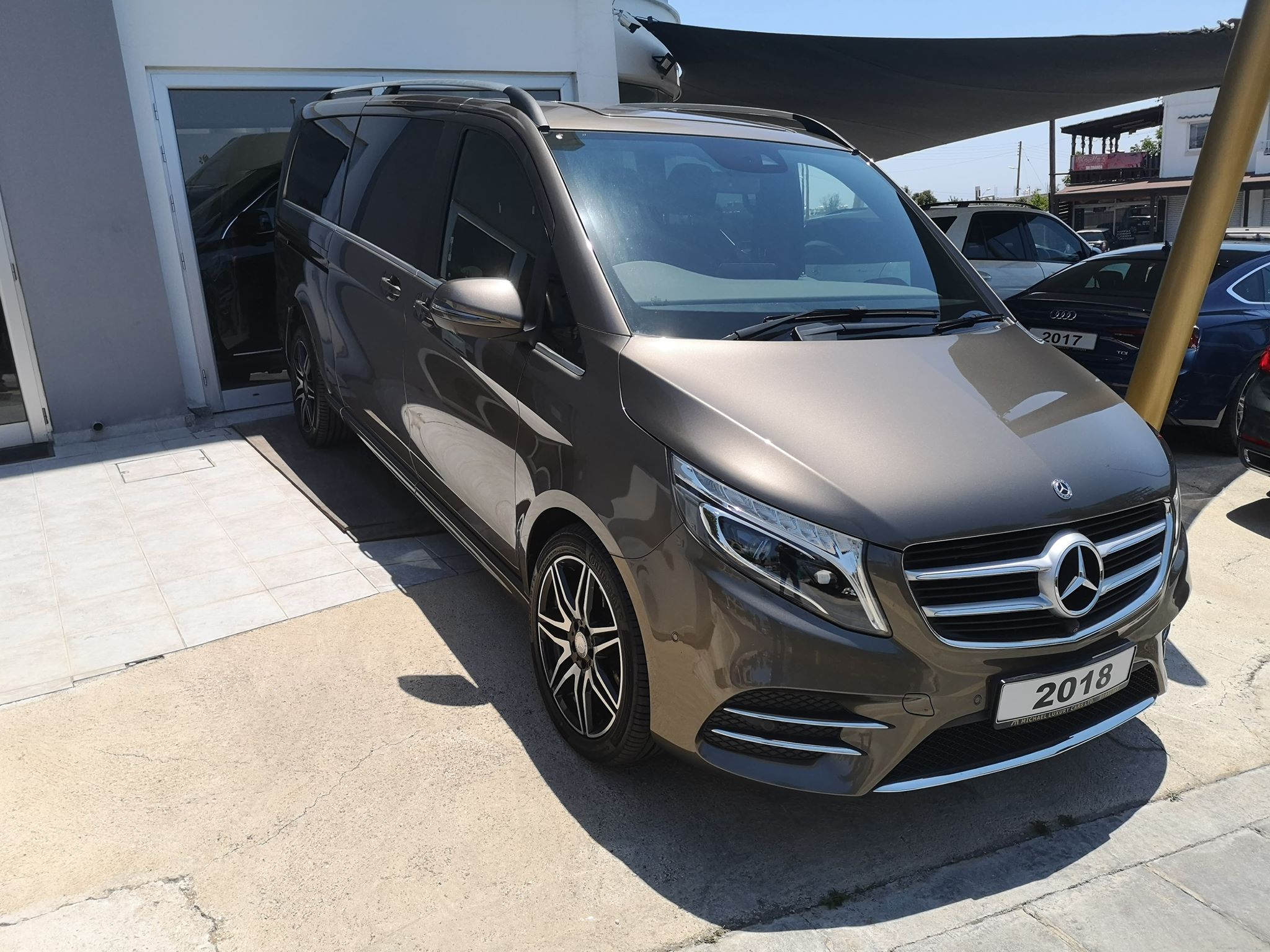 Mercedes-Benz V250d AMG  2018 Extra Long 8 Seater