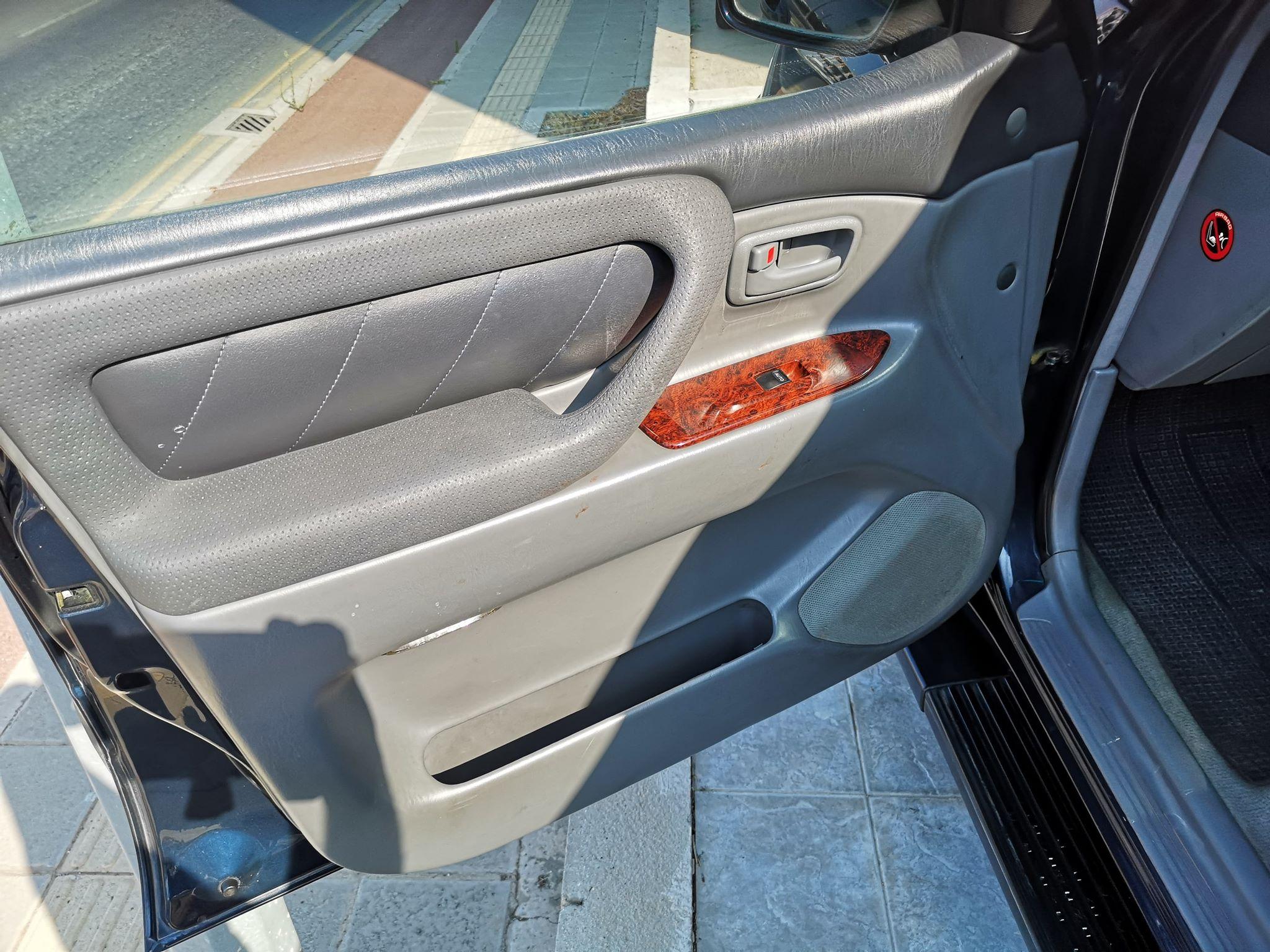 Toyota Land Cruiser 100 – Series 2002 – 7 Seats