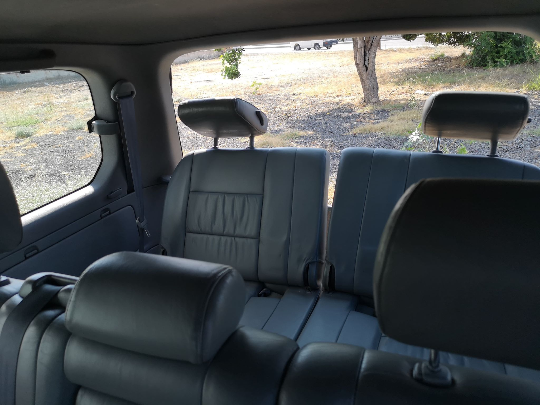 Toyota Land Cruiser 100 – Series 2002 – 7 Seats
